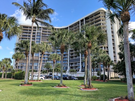 Braemar Isle Condominiums for sale in Highland Beach